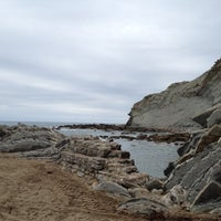 Photo taken at Playa de Itzurun / San Telmo by Samanta on 8/29/2012