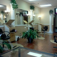 Photo taken at The Perfect Weave Salon by Toni R. on 10/13/2011