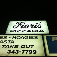 Photo taken at Fiori's Pizzaria by Mark S. on 3/14/2012