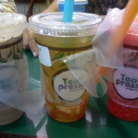Photo taken at Teapresso by Yessy M. on 1/5/2012