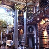Das Foto wurde bei Prunksaal der Nationalbibliothek von Эдуард Х. am 8/10/2012 aufgenommen