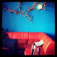 Photo taken at Vinyl Coffee & Wine Bar by Alice N. on 8/10/2012
