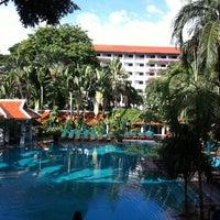 Photo taken at Anantara Bangkok Riverside Spa & Resort by =YuY= on 6/11/2011