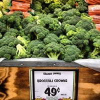 Photo taken at Sprouts Farmers Market by Jackstin on 4/15/2012