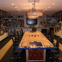 Photo taken at Steiner Sports Memorabilia by Tom H. on 8/13/2012
