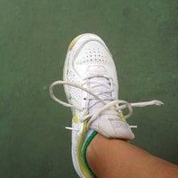 Photo taken at Phú Thọ tennis club by Tinu on 6/19/2012