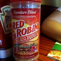 Photo taken at Red Robin Gourmet Burgers by Angelica G. on 7/5/2012