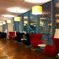 Photo taken at Louis' Tavern CIP Lounge by Yim T. on 3/15/2012