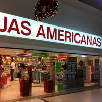 Photo taken at Lojas Americanas by Hian C. on 11/21/2011