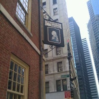 Photo taken at Fraunces Tavern Museum by Glenn M. on 9/13/2011