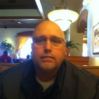 Photo taken at Olive Garden by Kerry W. on 2/12/2012