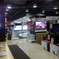 Photo taken at Harvey Norman by Hendryco C. on 1/29/2012
