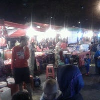 Photo taken at Pasar Malam Desa Tasik (Night Market) by Jemin75 on 12/14/2011