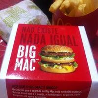Photo taken at McDonald's by Fernando T. on 7/21/2012