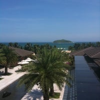 Photo taken at Le Méridien Shimei Bay Beach Resort & Spa by Ioana N. on 9/4/2012