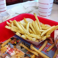 Photo taken at In-N-Out Burger by Berto M. on 4/14/2012