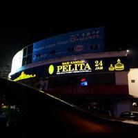 Photo taken at Nasi Kandar Pelita by mohd a. on 6/22/2012