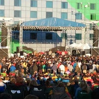 Photo taken at Stir Concert Cove by Roderick on 6/1/2012
