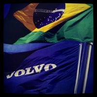 Photo taken at Volvo do Brasil by Evandro T. on 9/10/2012