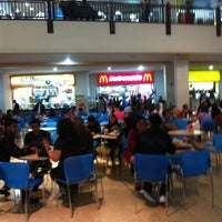 Photo taken at Food Court Terramall by Ktit@ 👍🍻❤️ F. on 7/24/2011