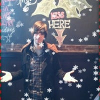 Photo taken at Wellman's Pub & Rooftop by Drew V. on 12/24/2011