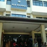 Photo taken at Fakultas Teknik Geologi by Adyatma Cakri P. on 9/12/2012
