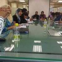 Photo taken at Spura Mtg Room @ ITTP, 6th Flr by ♛-∂ÑƝă_Ƨ'ӃĻ®™©-♛ on 9/13/2011