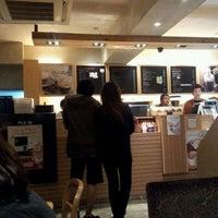 Photo taken at EDIYA COFFEE by Park H. on 11/9/2011
