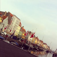 Photo taken at Nyhavns Færgekro by Mauricio P. on 11/13/2011