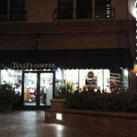 Photo taken at Tully's Coffee by Faye Annadine G. on 11/29/2011