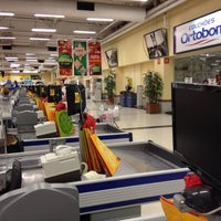 Photo taken at Extra Supermercado by Leo Z. on 12/27/2011