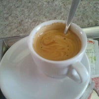 Photo taken at Vittore Cafés Especiais by Murilo G. on 7/12/2011