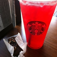 Photo taken at Starbucks by Johmyrin J. on 5/14/2012