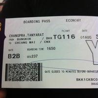 Photo taken at Gate B1B by Tanyarat C. on 8/1/2012