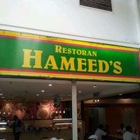 Photo taken at Restoran Hameed's by Jesen K. on 9/12/2011