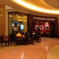 Photo taken at Starbucks by Janine Alyssa on 8/10/2012