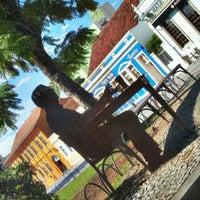 Photo taken at Setor Histórico De Curitiba by Kelzinha on 7/26/2012