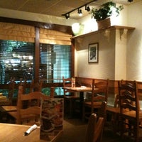 Photo taken at Olive Garden by Angel R. on 8/5/2011
