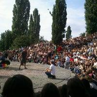 Das Foto wurde bei Flohmarkt am Mauerpark von Funky T. am 8/5/2012 aufgenommen