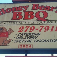Photo taken at Honey Bear's BBQ by Jeffrey S. on 12/28/2011