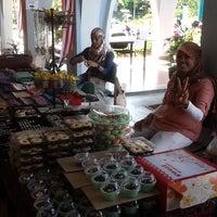 Photo taken at Mahallah Asiah by Mutasya Lv N. on 4/7/2012