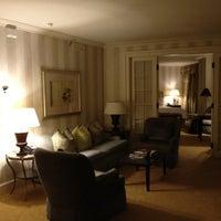 Photo taken at Four Seasons Hotel Boston by Steve H. on 4/11/2012