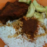 Photo taken at Nasi Ganja by Shiroi Y. on 3/7/2012