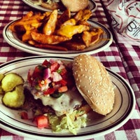 Photo taken at Bill's Bar & Burger by Joolee L. on 7/28/2012