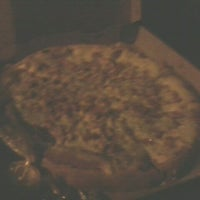 Photo taken at Massima Pizzas y Pastas by Maju V. on 8/14/2012