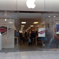 Photo taken at Apple Freehold Raceway Mall by Alex G. on 5/6/2012