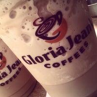 Photo taken at Gloria Jean's Coffees by Hiba G. on 4/21/2012