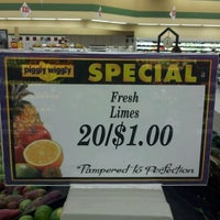 Photo taken at Piggly Wiggly by Rock S. on 11/19/2011