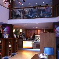 Photo taken at Coffee Fellows by Rikkiesixtysix . on 8/21/2011