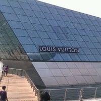 Photo taken at Louis Vuitton Island Maison by icebat on 9/24/2011